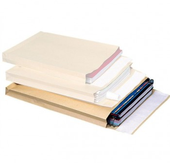 Caja 250 bolsas fuelle 3 lados folio prolongado 260x330x50mm 155grs