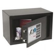 Caja de seguridad serie SS0720E. Cerradura digital. Capacidad 8,5l. 20 x 31 x 20 cm. Color negro