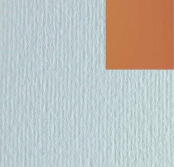 Cartulina texturizada con una superficie lisa y otra rugosa 220gr hoja 50x70cm color habana