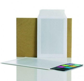 Caja 125 Bolsas dorso cartón 229x324mm