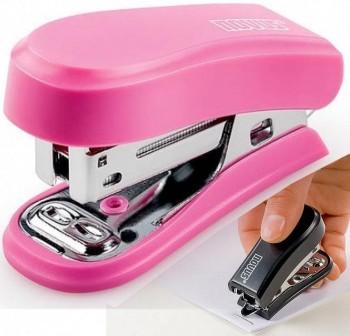 Mini Grapadora Novus color rosa